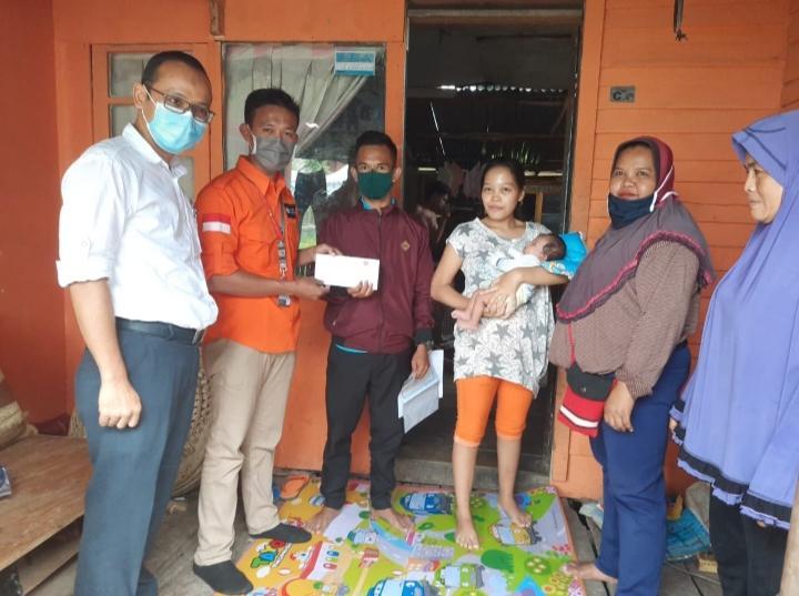 Rumah Zakat Bantu Biaya Persalinan Keluarga Dhuafa yang Kurang Mampu